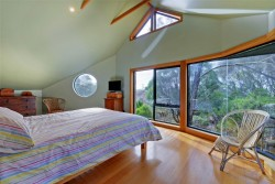 5 Correa Ct Hawley Beach TAS 7307