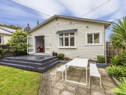 7 Shortland Street, Khandallah, Wellington, Wellington New Zealand