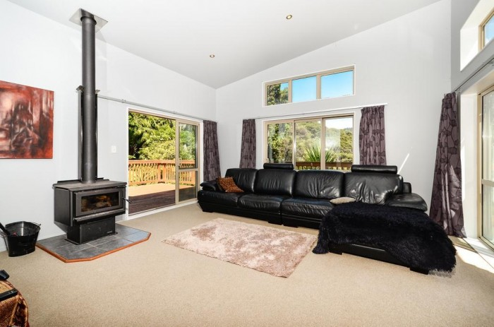 23 Hayes Road, Henderson Valley, Auckland, New Zealand 0612