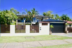 63 Crescent Avenue, Hope Island, QLD 4212, Australia