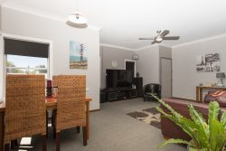 25 Tobruk Crescent, Orange, NSW 2800, Australia