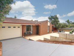 40 Yallambee Crescent, Wanneroo, WA 6065, Australia