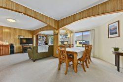 151 Derwent Avenue, Lindisfarne, TAS, Australia