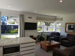 3/204 Muritai Rd, Eastbourne­, Lower Hutt, Wellington 5036,New Zealand