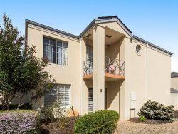 2/5 Macleod Rd, Applecross WA 6153, Australia