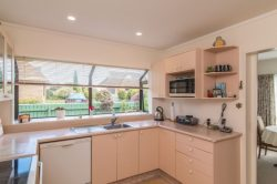 113 Hillcrest Road, Raumati Beach, Kapiti Coast, Wellington 5032, New Zealand.