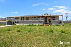 18 Breteeca Cl, Port Sorell TAS 7307, Australia