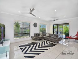 11 Lockyer Cres, Bentley Park QLD 4869, Australia