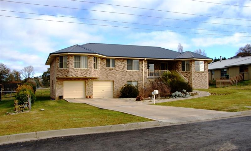 63N Lagoon St, Walcha NSW 2354, Australia