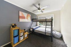 60 Oaklands Way Pakenham VIC 3810 Australia