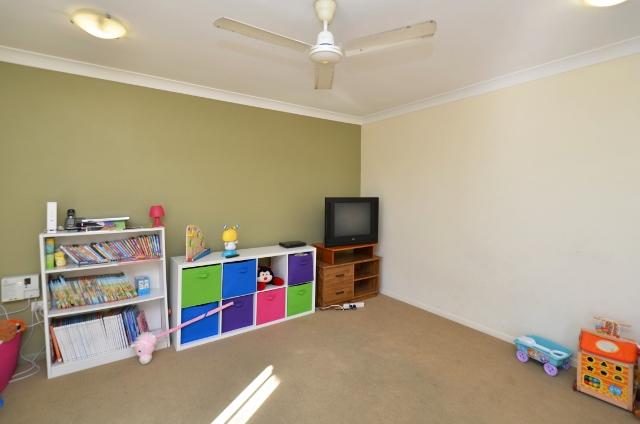 9 Crestbrook Dr, Mount Louisa QLD 4814, Australia
