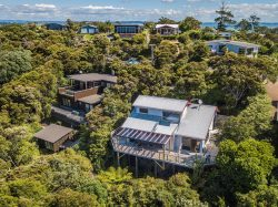 73 Queens Drive, Oneroa, Waiheke Island 1081, Auckland, New Zealand