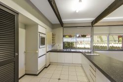 14 Cornwall Ave, Gorokan NSW 2263, Australia