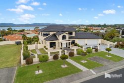 10 Shore Court Shearwater TAS 7307 Australia