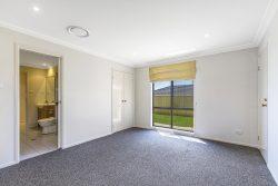4 Lily Ln, Woongarrah NSW 2259, Australia