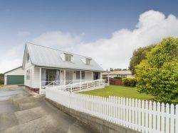 89 Benmore Ave Cloverlea, Palmerston North 4412, New Zealand