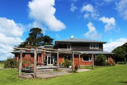 1737 Collingwoo­d-Puponga Main Road, Collingwood, Tasman, Nelson / Tasman, 7073, New Zealand
