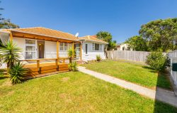 76 Commodore Drive Lynfield Auckland City 1042 New Zealand