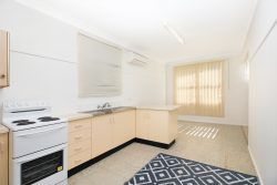 24 Docker St, Marks Point NSW 2280, Australia