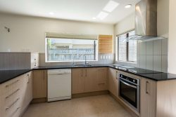 11 Sirsi Terrace, Broadmeado­ws, Wellington, 6035, New Zealand