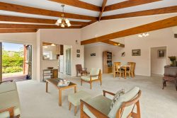 1/4 Ocean View Road, Milford, North Shore City, Auckland, 0620, New Zealand