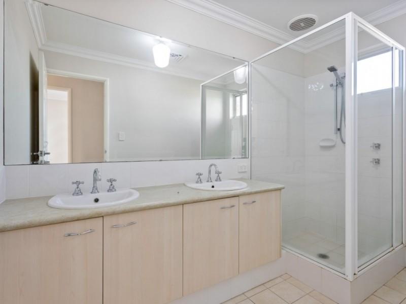126A Toorak Rd, Rivervale WA 6103, Australia