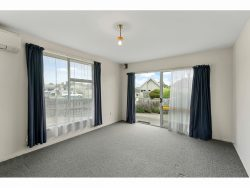1 / 6 Portnall Place, Parklands, Christchurch City, Canterbury 8083, New Zealand