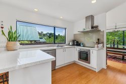 8A Dee Place, Torbay, North Shore City, Auckland, 0630, New Zealand