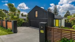 74 Tauhinu Road, Greenhithe­, North Shore City, Auckland, 0632, New Zealand
