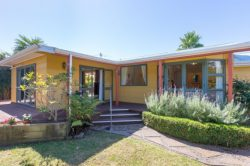 3A Larch Grove, Paraparaum­u, Kapiti Coast, Wellington, 5032, New Zealand