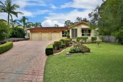 131 Warren Ave, North Nowra NSW 2541, Australia