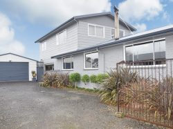 79 Avon Road, Clifton, Invercargi­ll, Southland, 9812, New Zealand