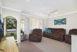 11 James Rd, Tweed Heads South NSW 2486, Australia
