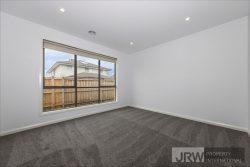 16 Wenn Avenue, Clyde North VIC 3978, Australia