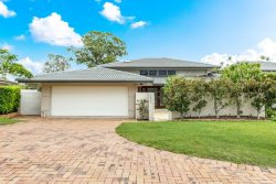 4631 The Pkwy, Hope Island QLD 4212, Australia