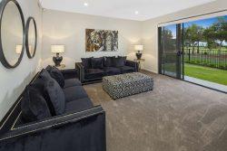 2296 Vardon Lane, Hope Island QLD 4212, Australia