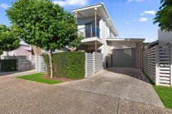 4/23 Essencia Ave, Dakabin QLD 4503, Australia