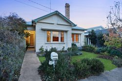 1313 Gregory St, Lake Wendouree VIC 3350, Australia