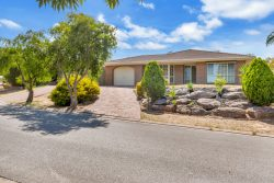 20 Horndale Dr, Happy Valley SA 5159, Australia