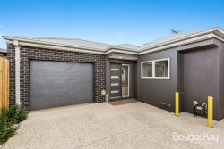 3/9 Cranbourne Ave, Sunshine North VIC 3020, Australia