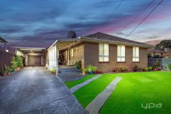 12 Maldon Ct, Sunshine North VIC 3020, Australia