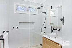 1 Roslyn Ave, Northmead NSW 2152, Australia
