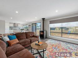 7 Maple Tree Boulevard, Mansfield, Vic 3722, Australia