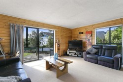 111 Mark Avenue, Grenada Village, Wellington 6037, New Zealand