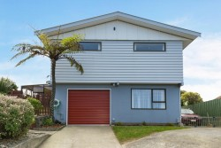 31 Te Kiteroa Grove, Churton Park, Wellington 6037, New Zealand