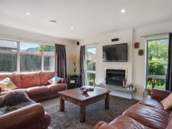 3 Coburn Place, Lake Hayes Estate, Queenstown, Otago, New Zealand