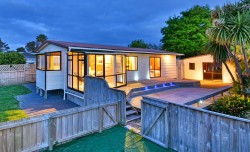 23 Bluewater Pl, Wattle Downs, Auckland 2103, New Zealand