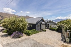 97 Warren Street, Wanaka, Queenstown Lakes District 9305, Otago, New Zealand