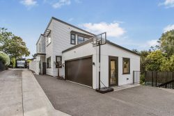 64b Beach Road, Mellons Bay, Manukau City 2014, New Zealand