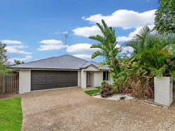 1 Cathmor Court, Oxenford, QLD 4210, Australia